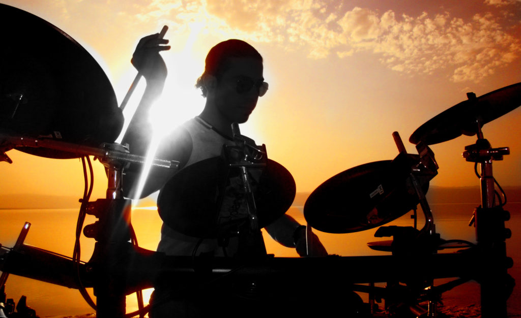 7-life-drumming_e